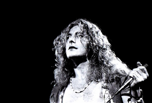 Robert Plant, lead singer of Led Zeppelin.  (Wikimedia Commons)