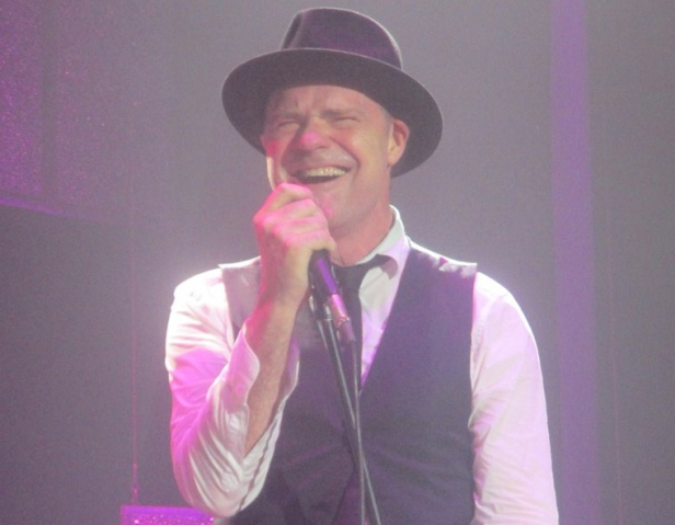 Gord Downie in 2013. (Photo: Wikimedia Commons)