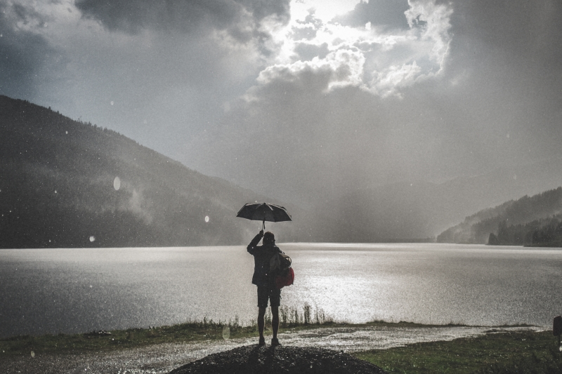 Bareleggin' delayed: Here comes the rain (and cold) again